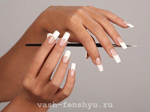 окрашивание ногтей французский маникюр